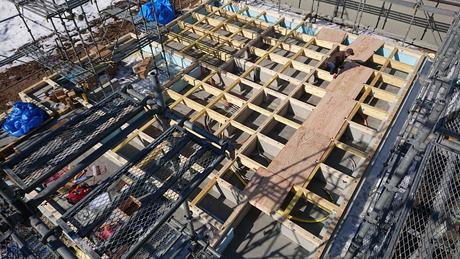 札幌市白石区にてご新築工事中です。