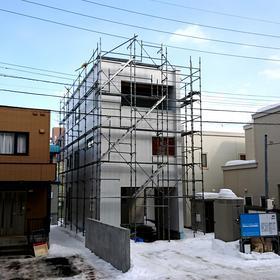 札幌市「 地下鉄東西線 」3階建てのご新築。