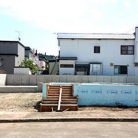 札幌市南区にてご新築『 基礎 & RC塀工事 』完了。
