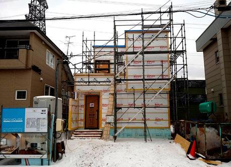 札幌市手稲区にて( カーポート × タイルテラス ) + スキップフロアご新築。
