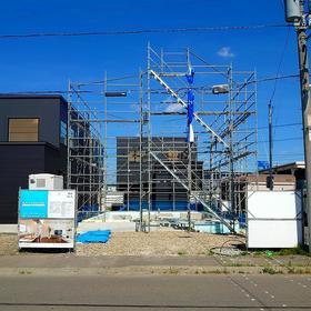 札幌市東区「 ご新築 」基礎工事 & 外部足場設置完了。