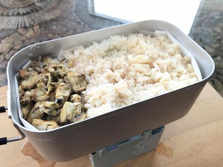 ステイホームを楽しもう!メスティンで簡単自動炊飯(カニの炊き込みご飯)